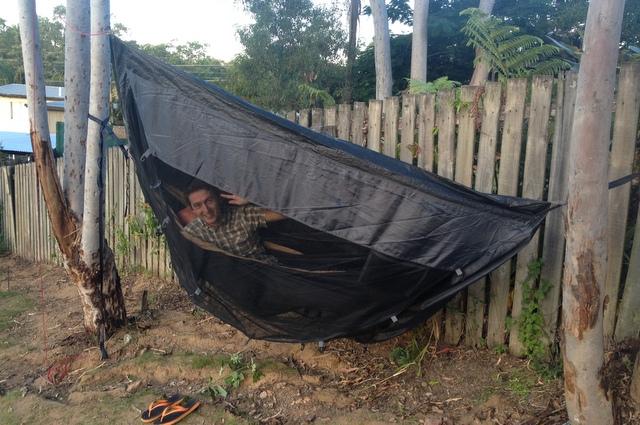 Nic tylko drzemać przy dźwięku deszczu i śmiać się z komarów! :)