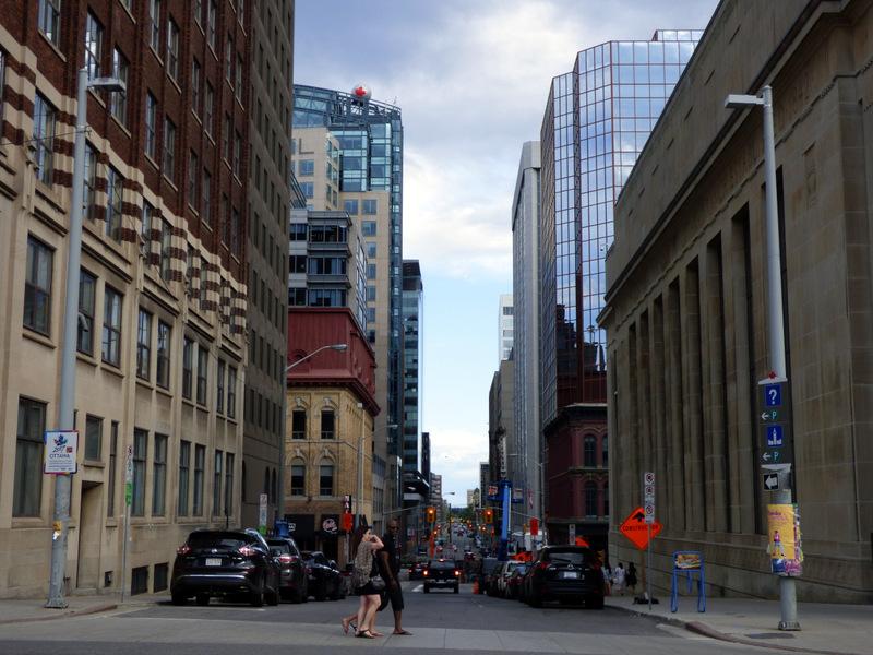 Architektura Kanady przypomina swoją południową siostrę.
