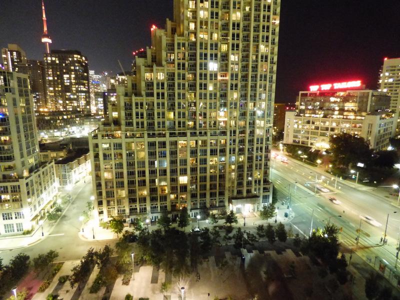 Mieszkanie Seana - o lepszą lokalizację w Toronto ciężko ;)